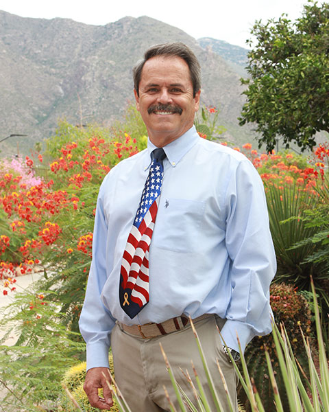 a picture of endodontist Dr. Dave Burros