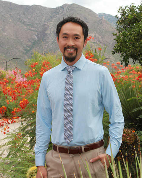a picture of endodontist Dr. Tung B. Bui